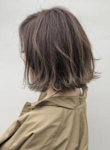 髪を柔らかく見せるハイライト!!