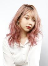 ピンクカラー×ウェーブスタイル(髪型セミロング)