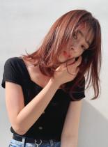 オレンジベージュワンカールミディ(髪型ミディアム)