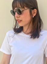 ナチュラルなスリークスタイル(髪型ミディアム)