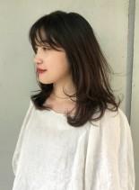 大人女子のセミディスタイル(髪型セミロング)