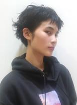 くせ毛風ショートパーマスタイル(髪型ベリーショート)