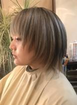 ブロンドショートボブ(髪型ボブ)