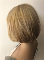 ケアブリーチ レア髪ブリーチボブ(髪型ボブ)