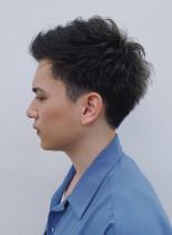 ワンカールパーマのツーブロックショート(髪型メンズ)