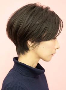 手入れ簡単☆小顔効果のひし形ショートヘア(ビューティーナビ)