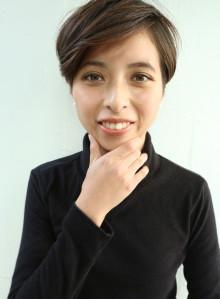 大人可愛い前髪長めショート(ビューティーナビ)