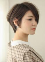 前髪長め大人ショートボブ(髪型ショートヘア)