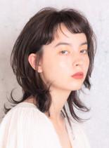 大人のレイヤーミディ(髪型ミディアム)
