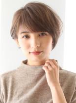 30代40代50代〜の耳かけショート(髪型ショートヘア)
