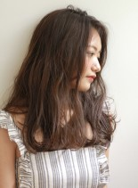 アッシュグレージュカラー(髪型セミロング)