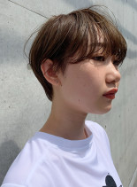 大人ショートボブ×ハイトーン(髪型ショートヘア)