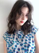 メラニンブレイク+ホワイトブラウン(髪型ミディアム)