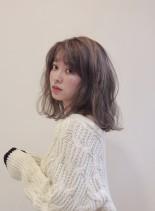 チャコールグレージュカラーミディ(髪型ミディアム)