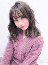 ファストブリーチ+ホワイトグレージュ(髪型ミディアム)
