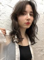メラニンブレイク+ホワイトブラウン(髪型セミロング)