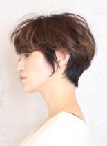 ふんわりカジュアルショート(髪型ショートヘア)