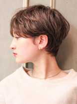 大人可愛いセンター分けショートヘア(髪型ショートヘア)