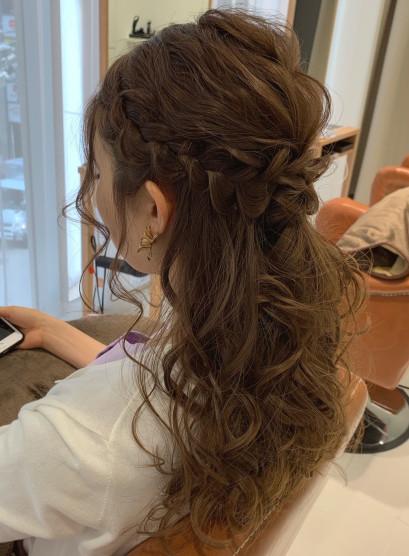 編み込みハーフアップアレンジ(髪型ロング)