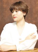 大人カジュアルくせ毛ショートカット(髪型ショートヘア)