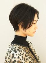 ナチュラルに決まるハンサムショートボブ(髪型ショートヘア)