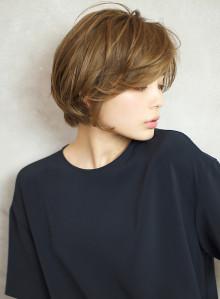 前髪長め☆ふんわり大人可愛いショートボブ(ビューティーナビ)