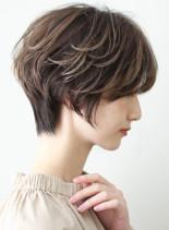 大人かわいいエアリーレイヤーショート(髪型ショートヘア)