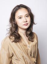 柔らかフェミニン&コントラストハイライト(髪型セミロング)