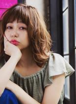 ナチュラルパーマロブ(髪型ミディアム)