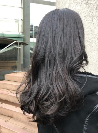 大人女子のナチュラルロング(髪型ロング)