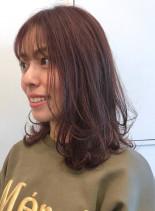 コーラルピンクカラー×レイヤースタイル(髪型ミディアム)