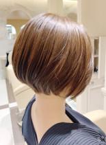 お手入れ簡単大人女性のショートボブ(髪型ショートヘア)