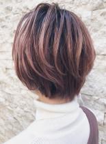 30代40代大人女性のボリュームショート(髪型ショートヘア)