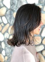 大人グラデーションメッシュカラースタイル(髪型ミディアム)