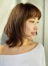 大人のミディアムレイヤースタイル(髪型ミディアム)