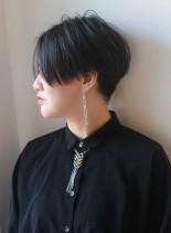 ミニマムシルエットの大人ハンサムショート(髪型ショートヘア)