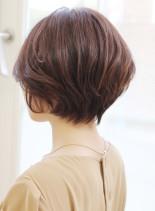 30代からのひし形ショートボブ(髪型ショートヘア)