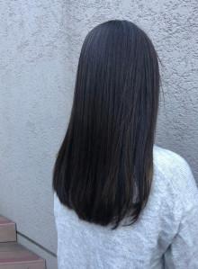 黒髪サラサラロングヘア