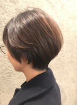 30代、40代骨格美シルエットショート(髪型ショートヘア)