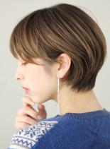 丸みのある大人かわいいショートカット(髪型ショートヘア)