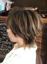 ショートカット・マッシュウルフ(髪型ショートヘア)