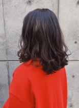 ナチュラルベージュのレイヤーミディアム(髪型ミディアム)