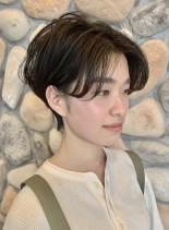 耳に掛けられる ☆ センター分けショート(髪型ショートヘア)