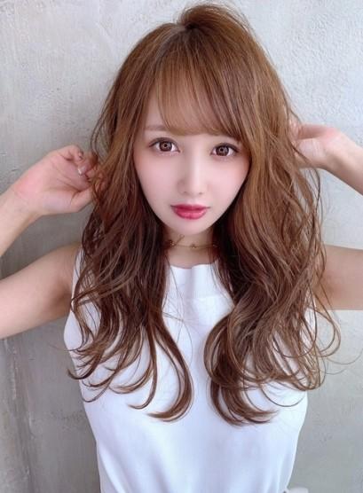20代30代 大人可愛い くびれレイヤー(髪型ロング)