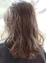 シルクグレージュ(髪型セミロング)