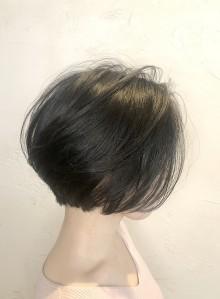 後頭部◎黒髪バルーンボブ(ビューティーナビ)