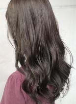 ほんのりピンクグレージュ(髪型ロング)