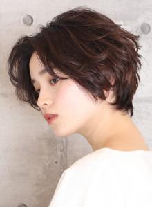 長め襟足×長め前髪ショートボブ(ビューティーナビ)