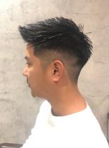 バーバー風フェードスタイル(髪型メンズ)