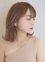 大人可愛い外ハネミディアムスタイル(髪型ミディアム)